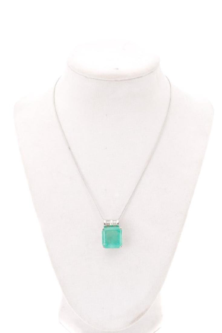 14k White Gold, Emerald, & Diamond Necklace, 16 CT