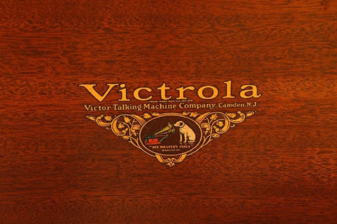 Victor Orthophonic Credenza Victrola, Model VV8-4 - 3