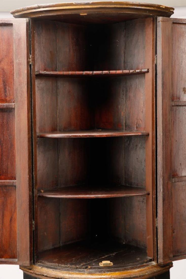English Chinoiserie Corner Cabinet - 6