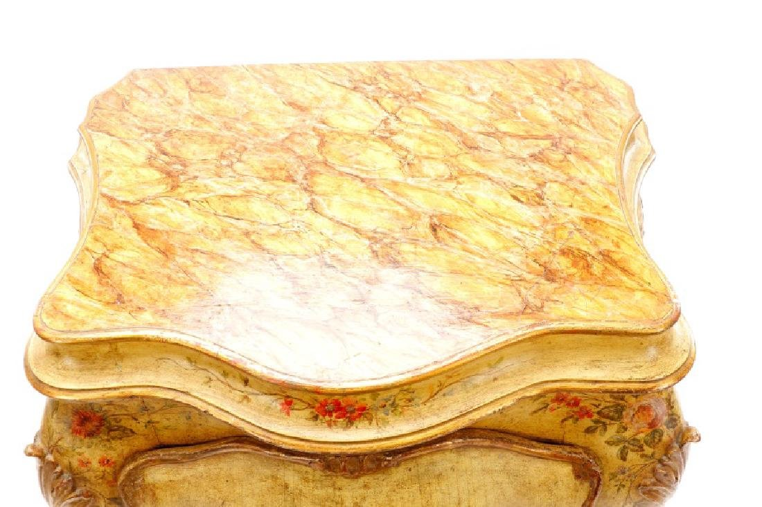 Venetian Polychrome Painted Petite Commode, 19th C - 3