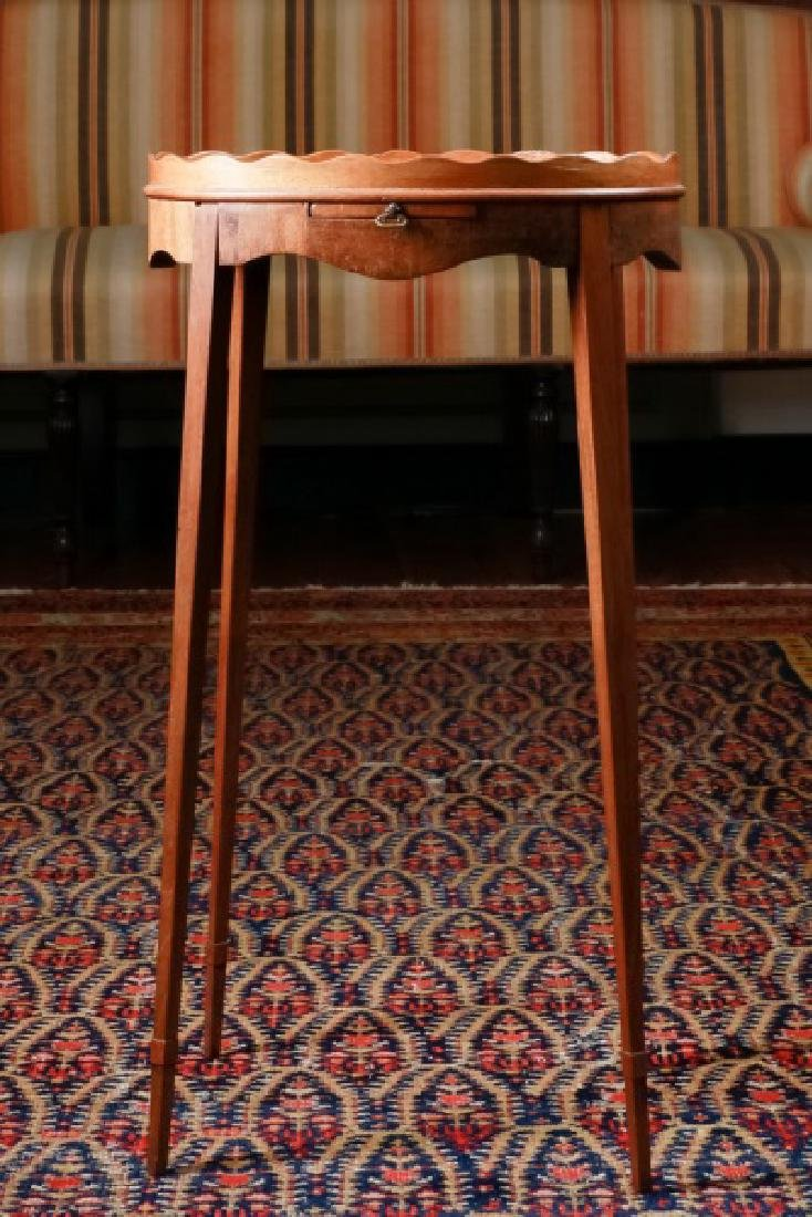 19th C. American Federal Style Tray Top Table