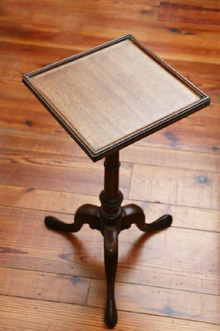 English Queen Anne Style Mahogany Tripod Table