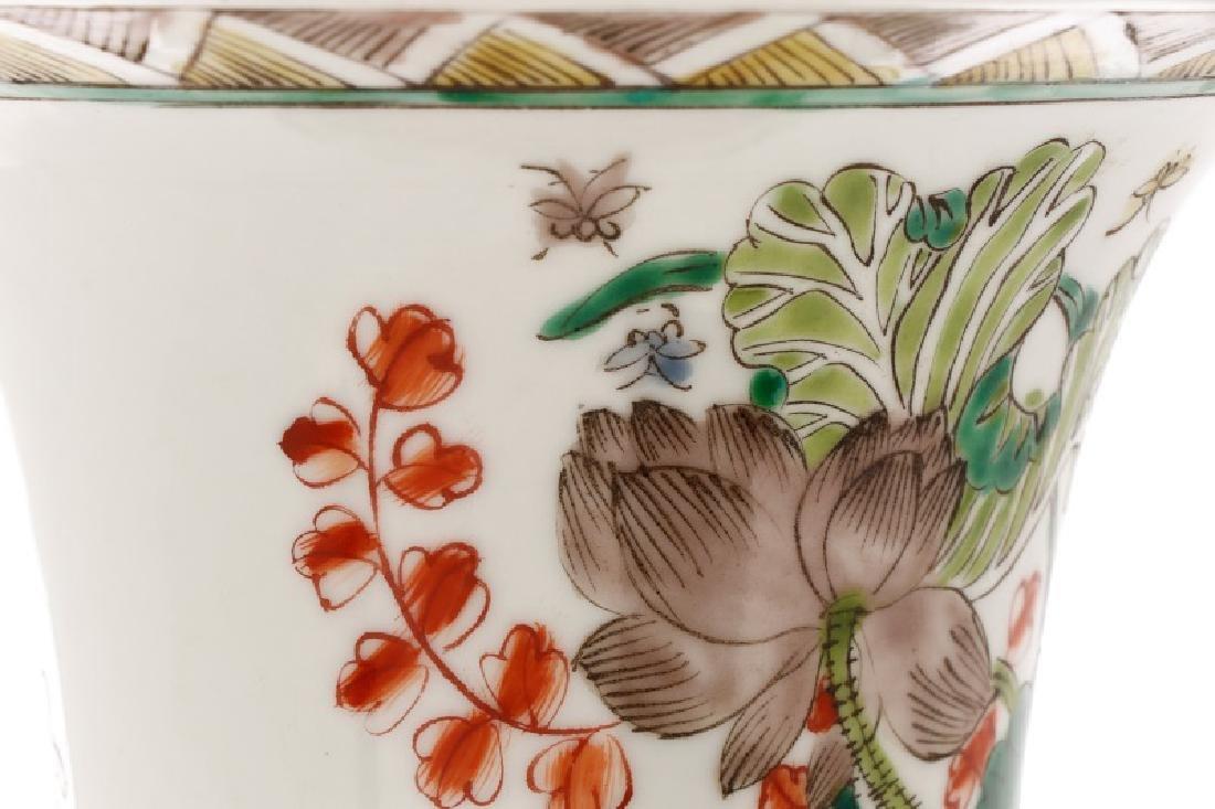 Chinese Famille Verte Fengweizun Porcelain Vase - 5
