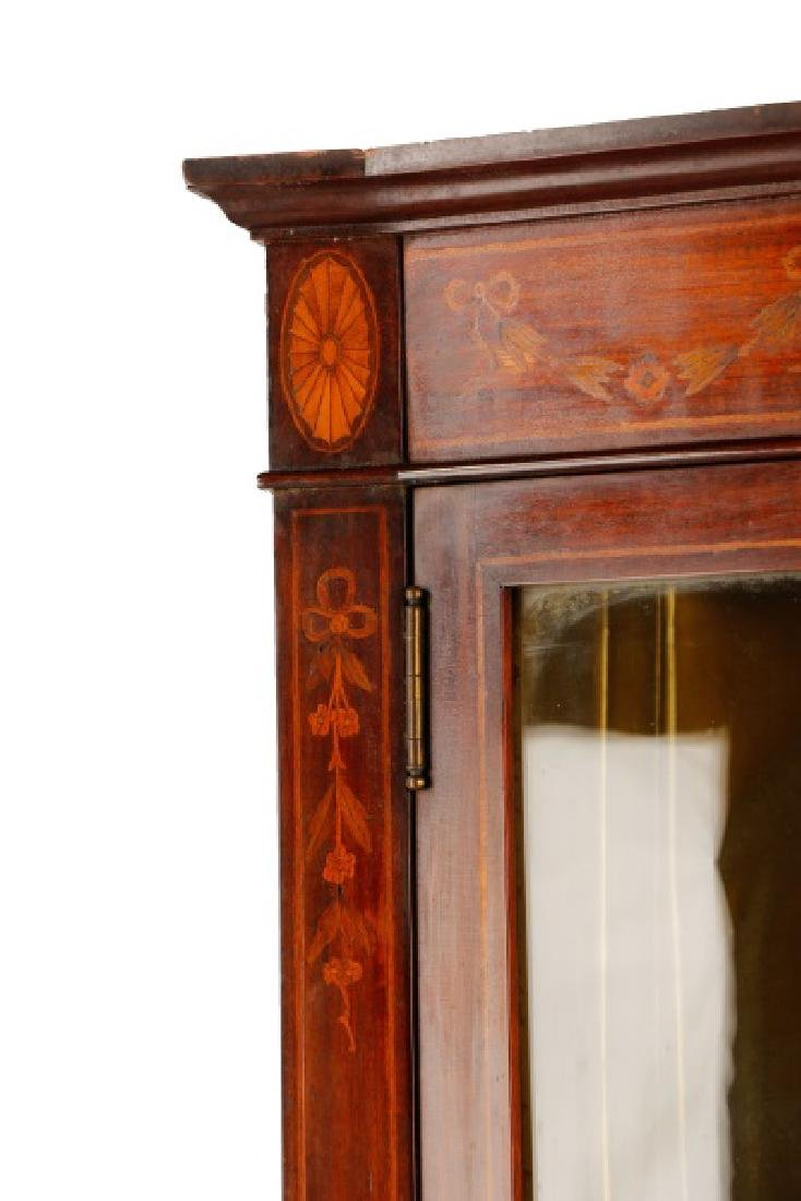 Hahne & Co Inlaid Bowfront Display Cabinet - 5