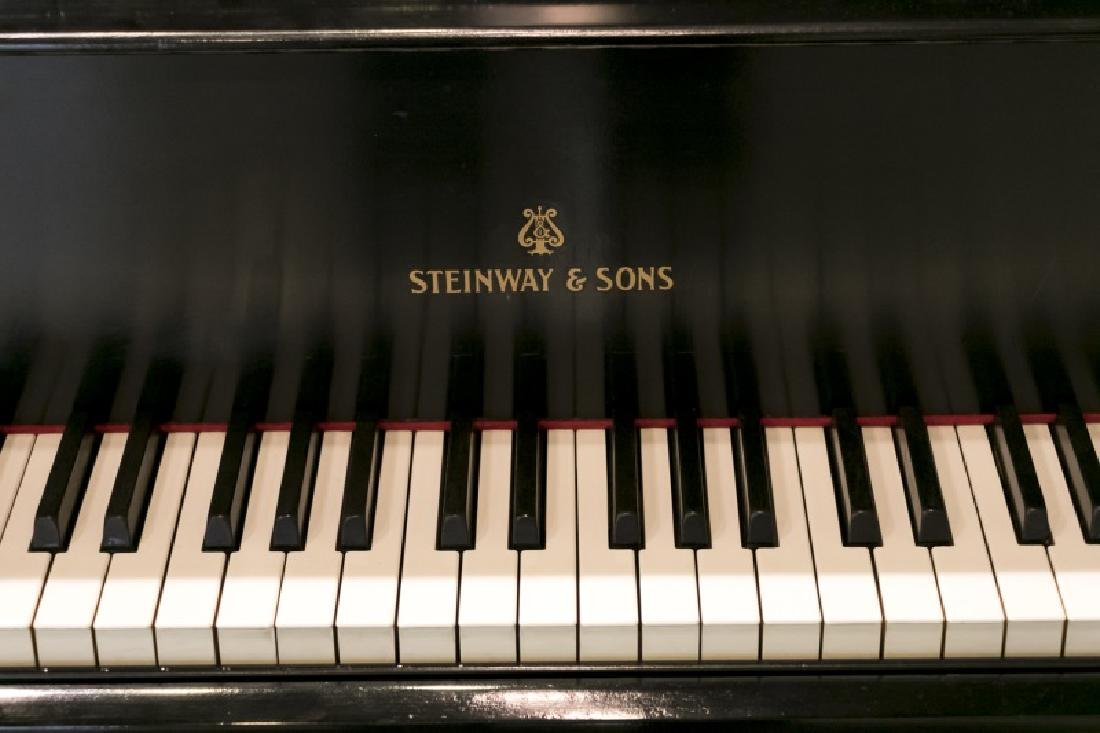 Steinway & Sons Ebonized Baby Grand Piano, c.1928 - 3