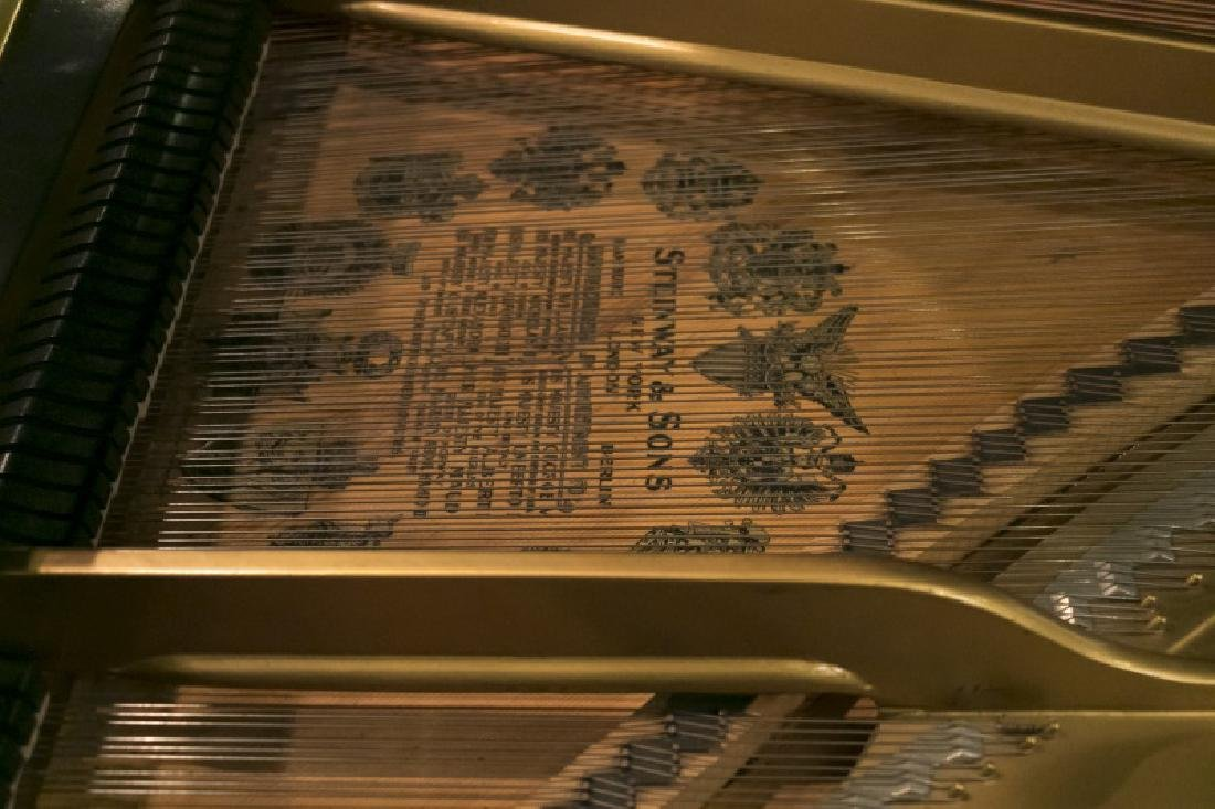 Steinway & Sons Ebonized Baby Grand Piano, c.1928 - 5