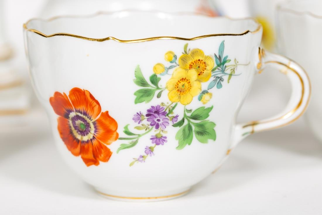 Meissen Porcelain Partial Dinner Service, Marked - 7