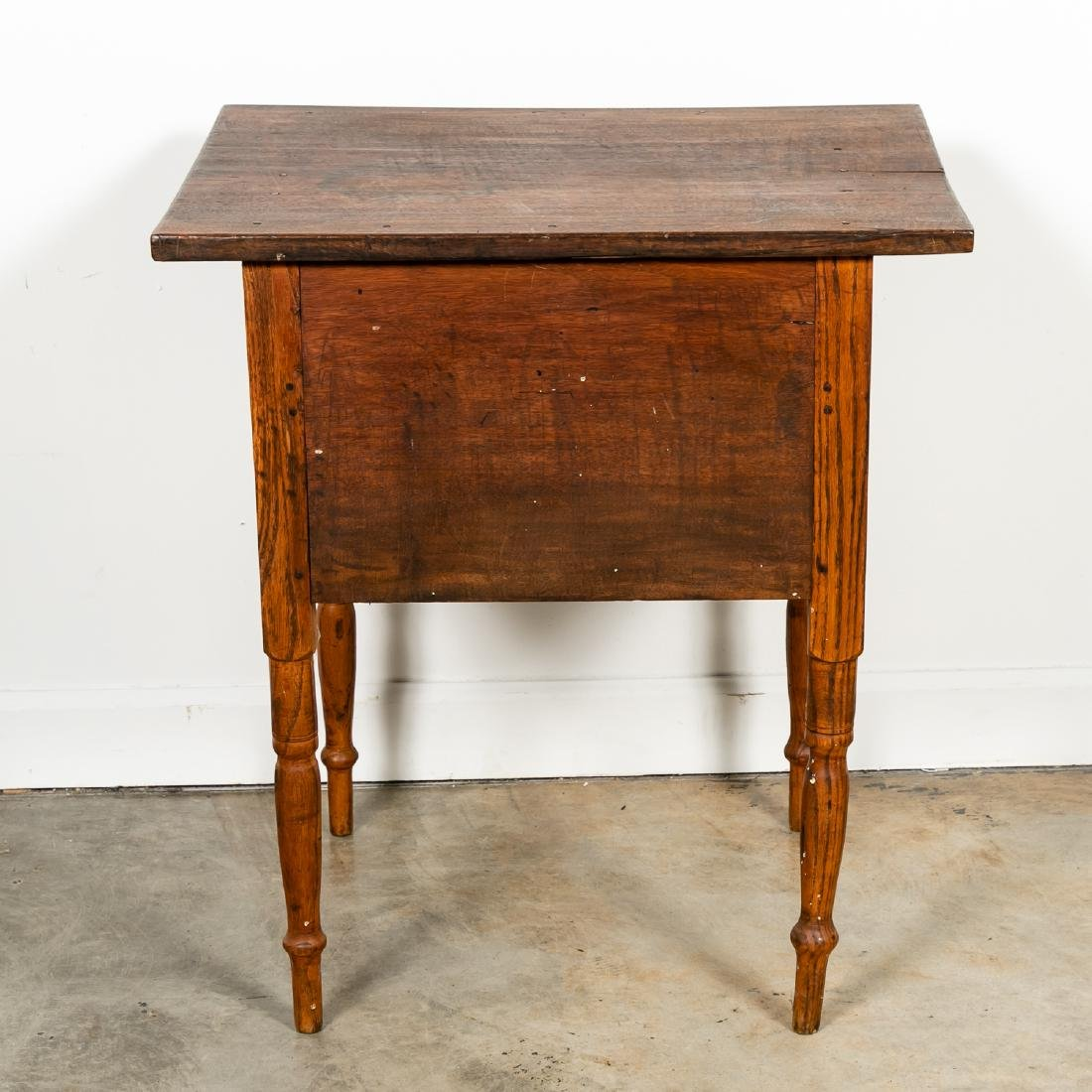 Early American Country Oak SideTable - 2