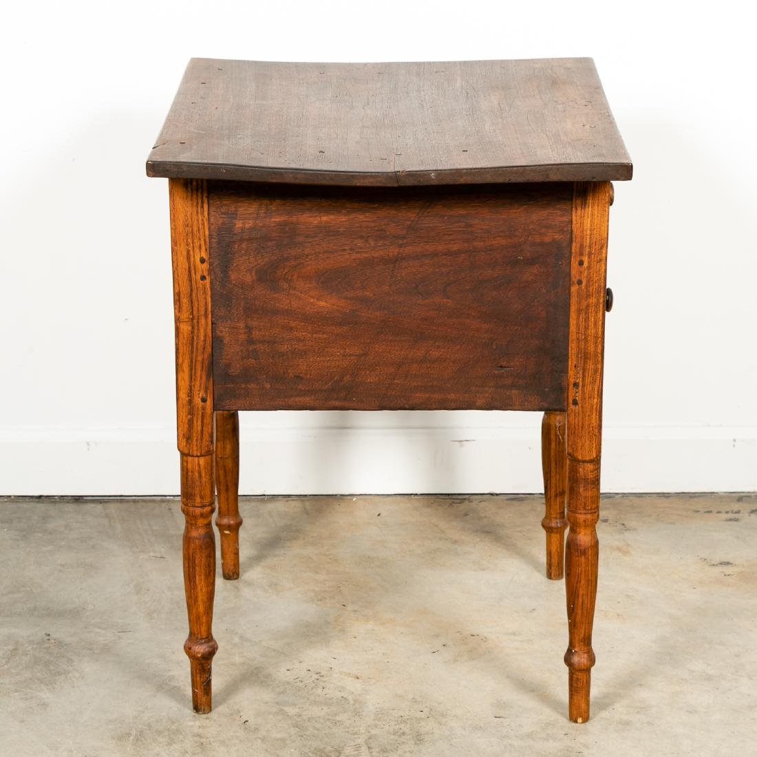 Early American Country Oak SideTable - 3