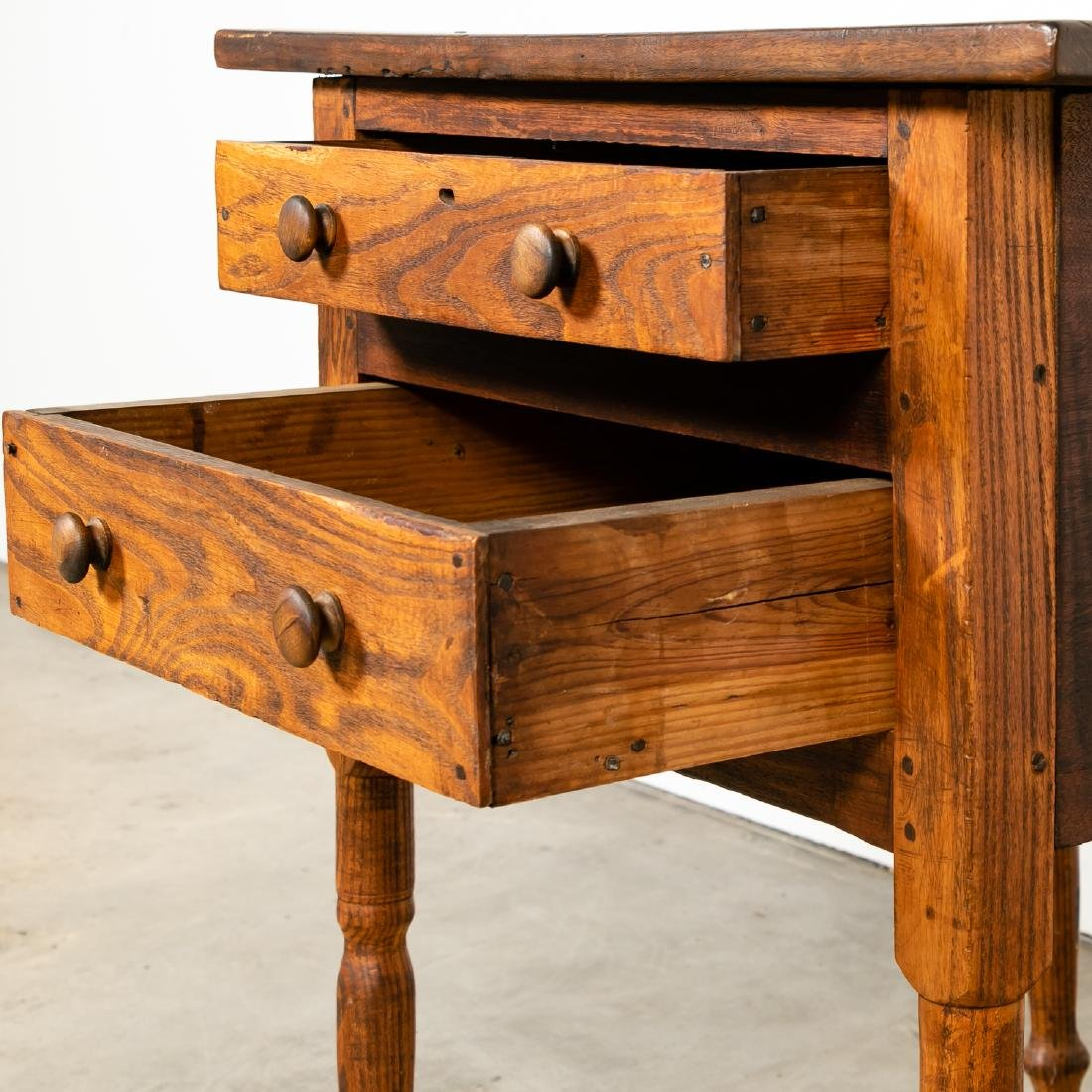 Early American Country Oak SideTable - 6