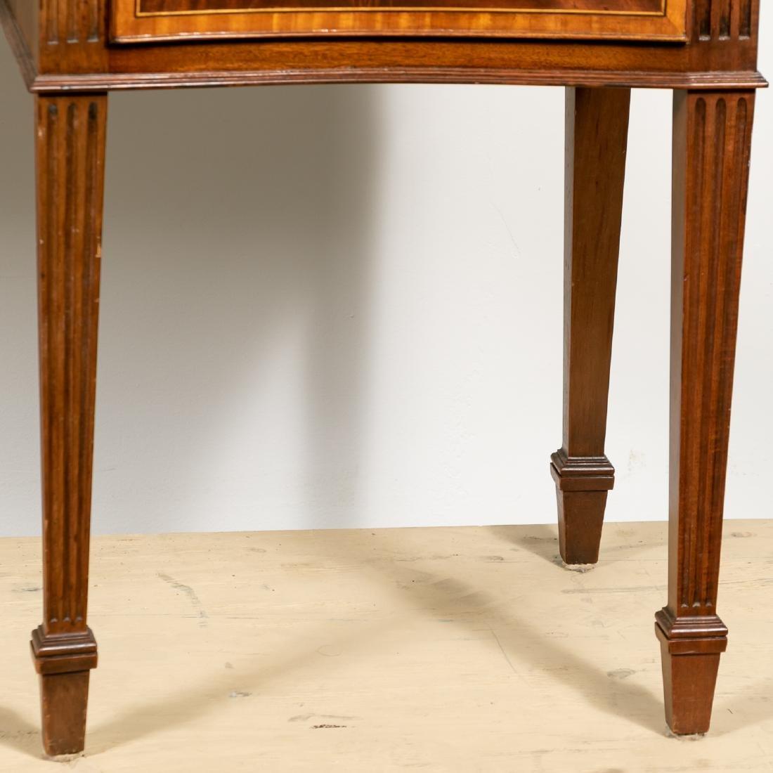 English Mahogany Serpentine Front Sideboard - 7