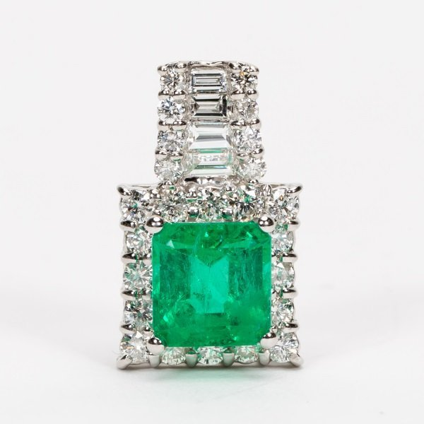 2.16ct Emerald & Diamond Pendant in Platinum, GIA - 8