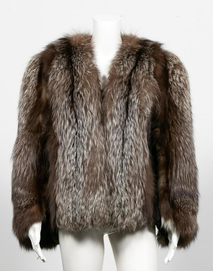 Vintage Ladies Chocolate-Silver Fox Fur Coat
