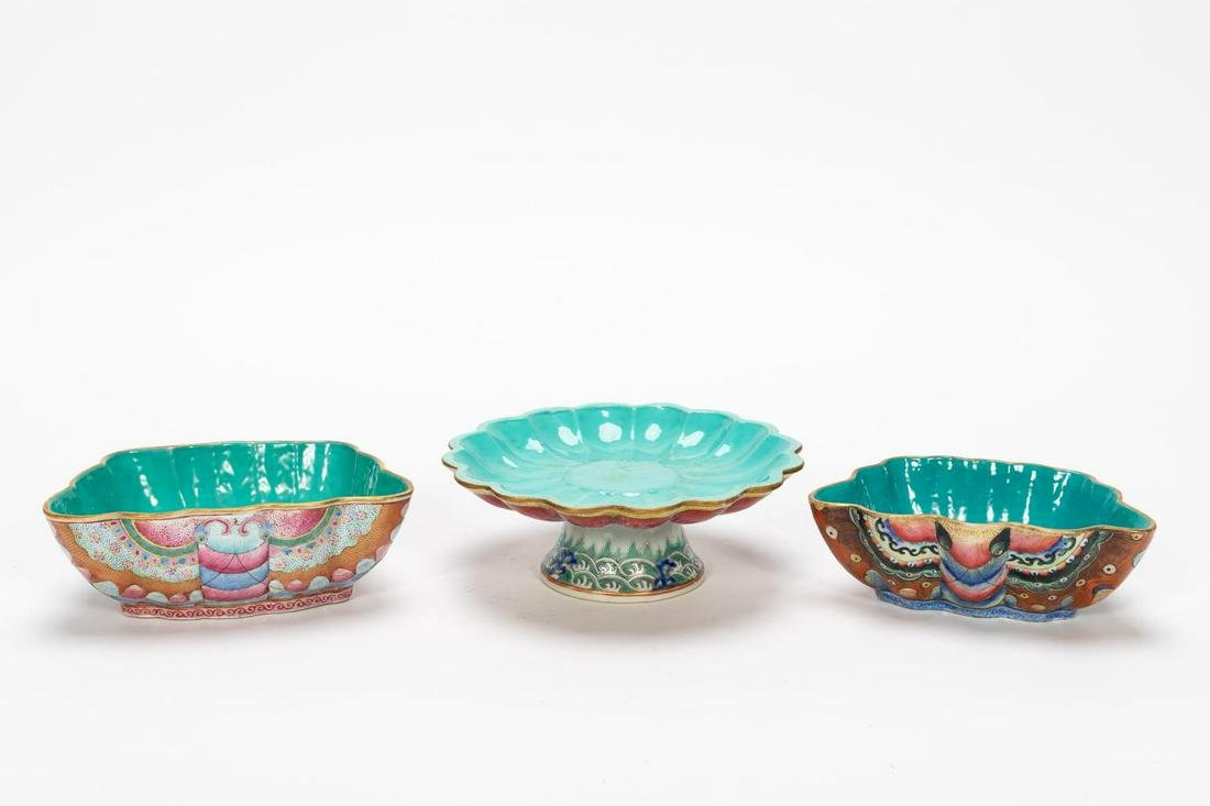 THREE CHINESE ENAMELED PORCELAIN VESSELS, MOTH