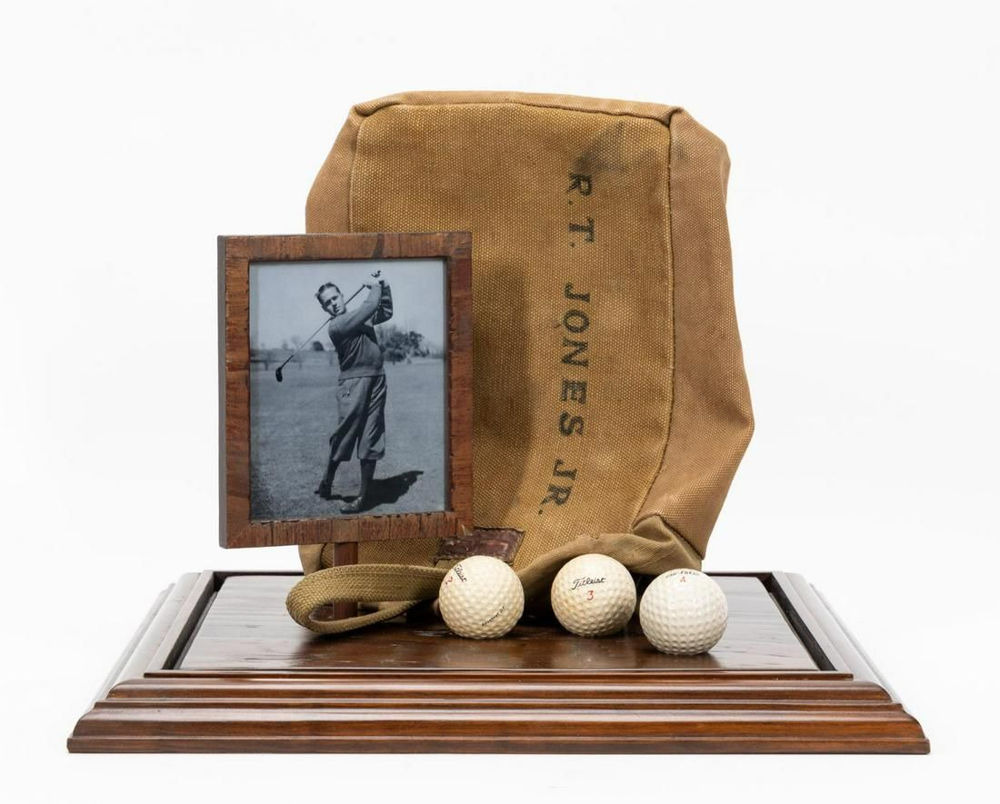 BOBBY JONES PERSONAL SHAG BAG, WITH PROVENANCE