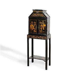 17TH/18TH C. JAPANNED CHINOISERIE CABINET ON STAND