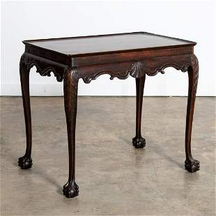 18TH C. IRISH MAHOGANY SILVER OR TEA TABLE