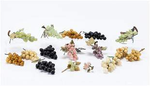 GROUP, FIFTEEN MIXED HARDSTONE GRAPE CLUSTERS