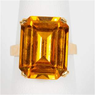 18K YELLOW GOLD & GOLDEN SYNTHETIC SAPPHIRE RING