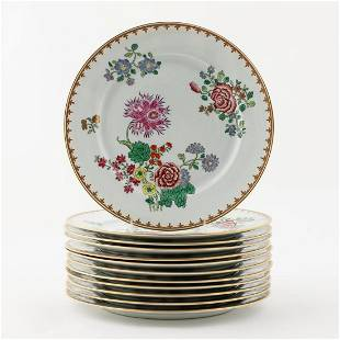SET 12, CHINESE EXPORT STYLE FAMILLE ROSE PLATES