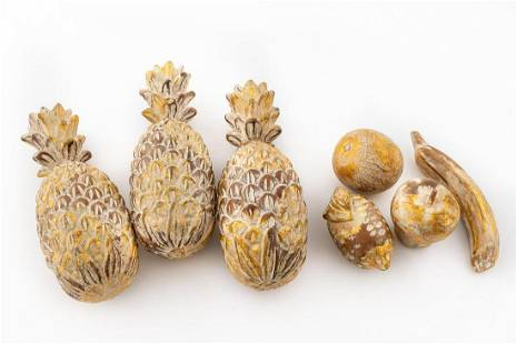 SEVEN PIECES ITALIAN GILTWOOD FRUIT, PINEAPPLES