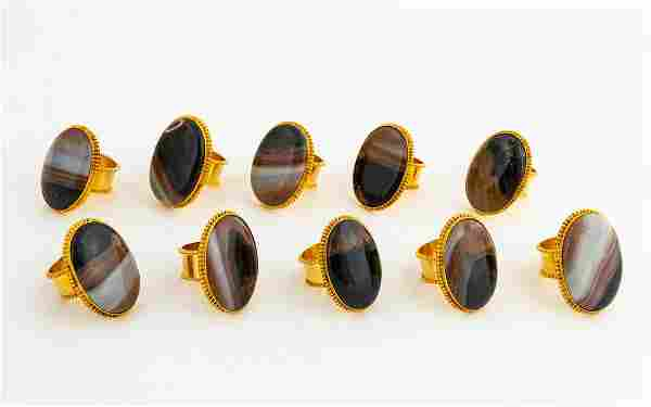 GROUP OF 10 GOLD TONE & AGATE OVAL NAPKIN RINGS