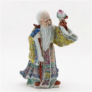 CHINESE FAMILLE ROSE PORCELAIN FIGURE OF SHOULAO