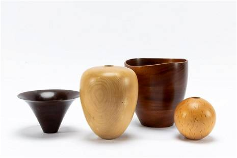 GROUP OF 4 AMERICAN TURNED WOOD VESSELS