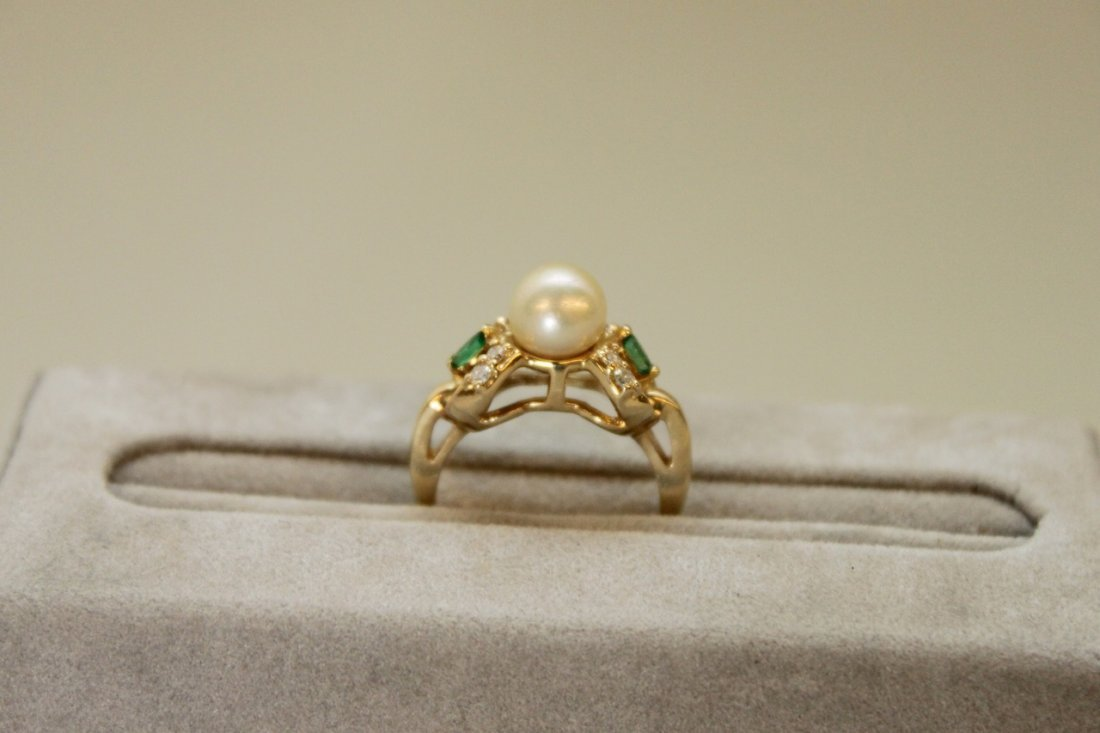 14K Gold & Pearl Ladies Ring