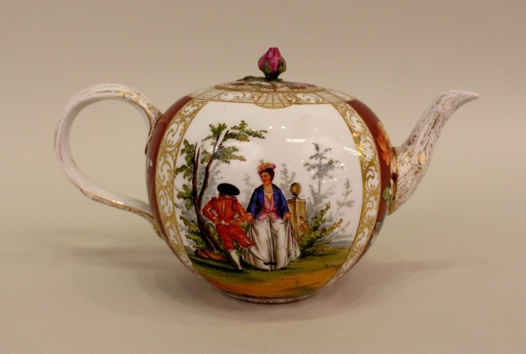 19th C. Meissen Porcelain Tea Pot with Lid