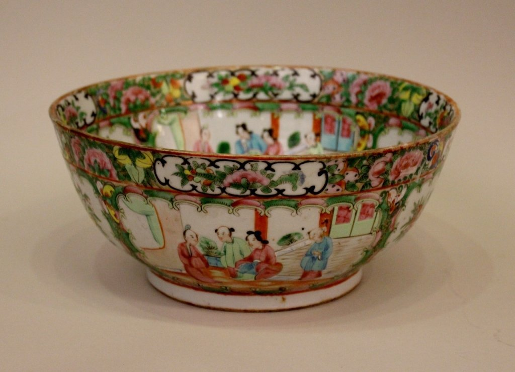 L. 19th C. Chinese Porcelain Bowl