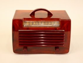 A General Electric (GE) Brown Catalin Radio.