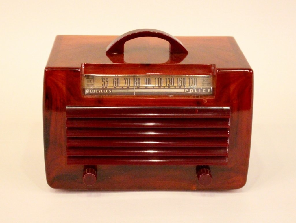 A General Electric (GE) Brown Catalin Radio.