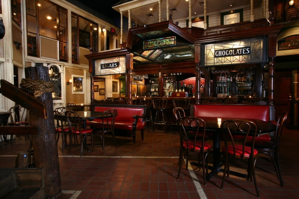 Monumental Center Cut Mahogany English Pub Bar
