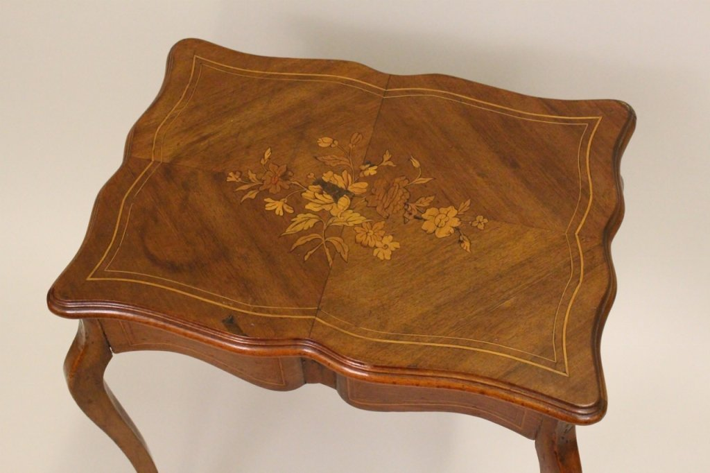 French Walnut Dressing Table - 4