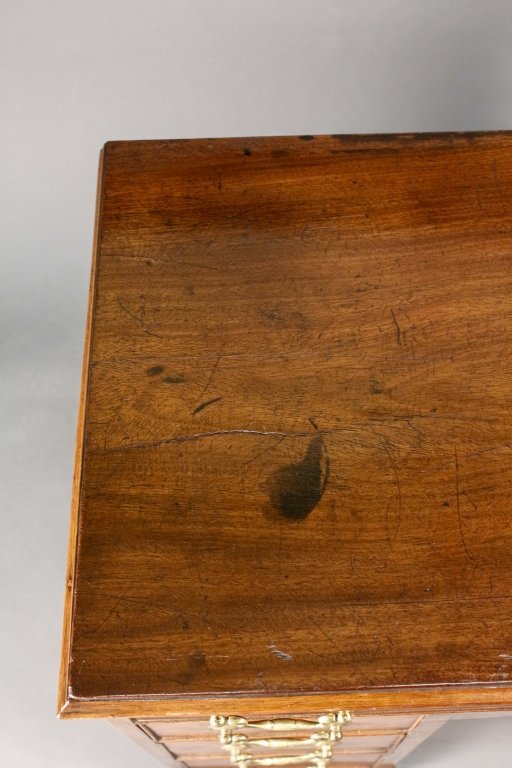 19th Century English Kneehole Desk - 2