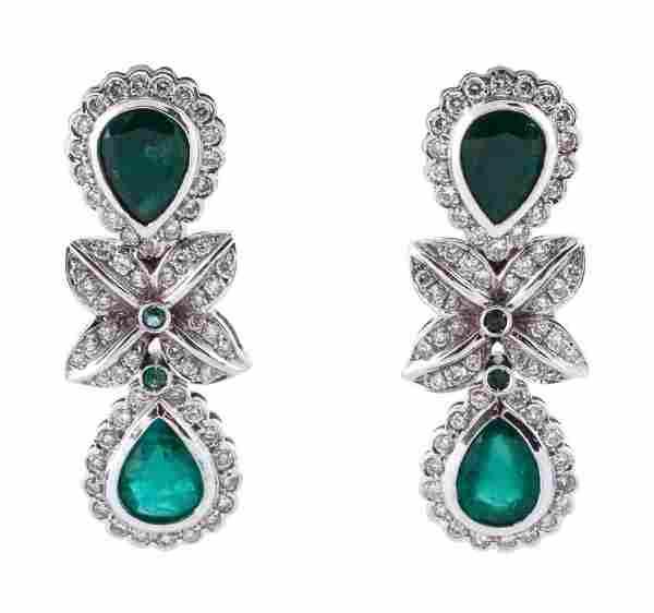 Ladies 18k Gold, Emerald & Diamond Dangle Earrings