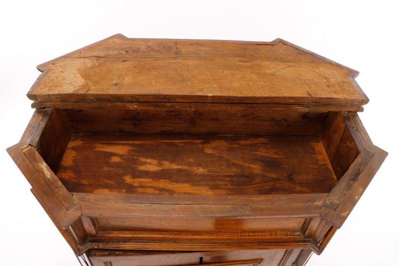 Italian Walnut Lift-Top Cabinet or Console, 19th C - 10