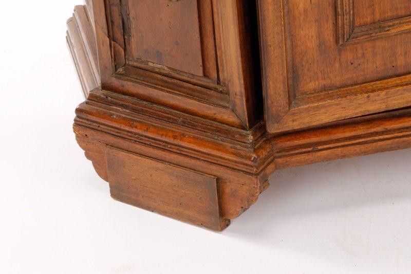 Italian Walnut Lift-Top Cabinet or Console, 19th C - 5