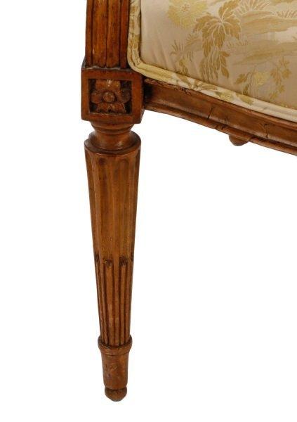 Louis XVI Period Carved Fauteuil la Reine - 4