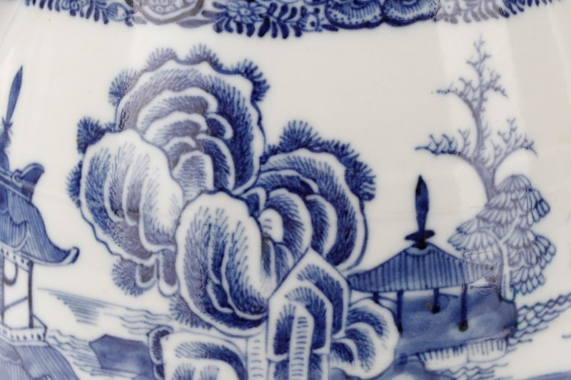 Fine Chinese Export Blue Willow Pitcher, c.1810 - 7