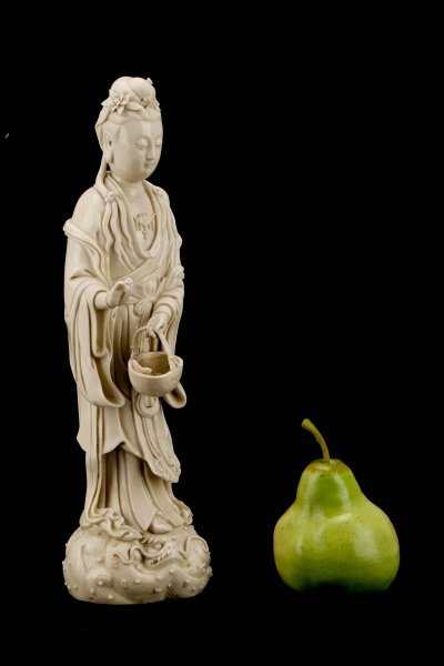 Fine Dehua Blanc de Chine Figure, Standing Guanyin - 10