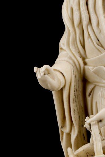 Fine Dehua Blanc de Chine Figure, Standing Guanyin - 3