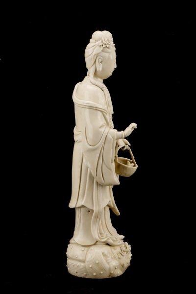 Fine Dehua Blanc de Chine Figure, Standing Guanyin - 5