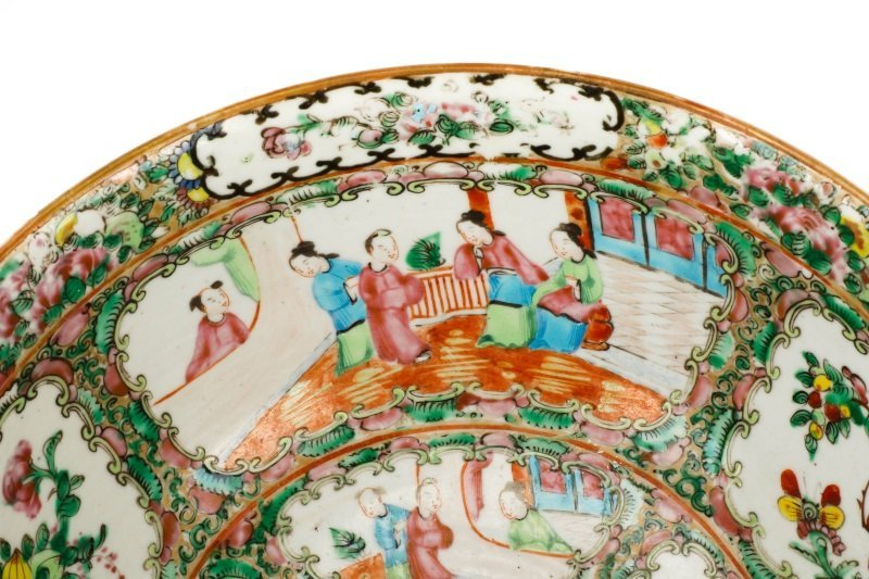 19th C. Chinese Export Rose Medallion Console Bowl - 3
