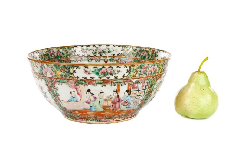 19th C. Chinese Export Rose Medallion Console Bowl - 7