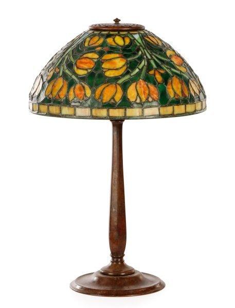 Tiffany Style Tulip Glass & Bronze Table Lamp