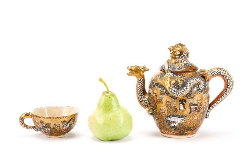Late Meiji Period Satsuma Earthenware Tea Service - 10