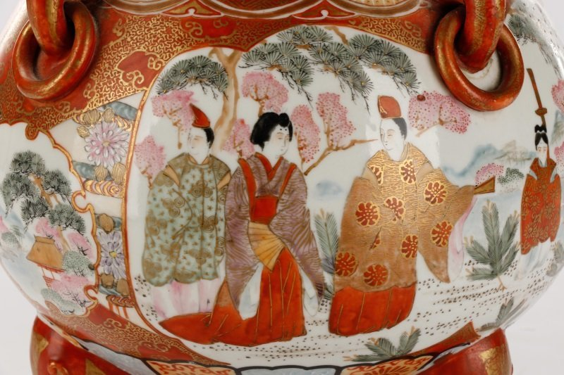 Pair of Japanese Kutani Porcelain Covered Censers - 5
