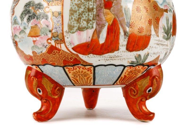 Pair of Japanese Kutani Porcelain Covered Censers - 6